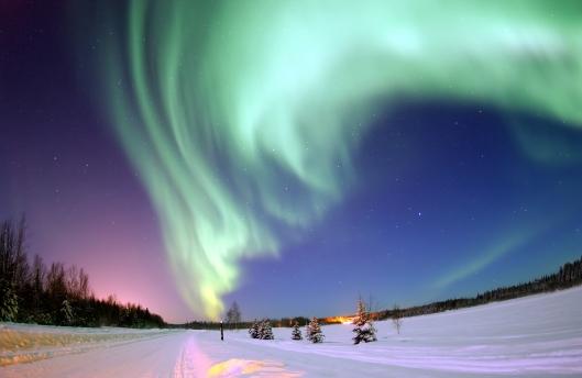 Aurora Borealis above Bear Lake, Alaska. Produced by the US Air Force {{PD}}