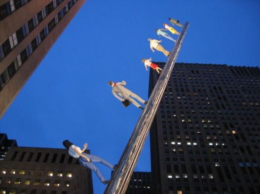 Walk confidently this year, Pisces. Jonathan Borofsky (US-American, born 1942): Walking to the Sky, New York City, Rockefeller Center; moved to Dallas, Texas in 2005 Photo by doreen from Shanghai, China  Creative Commons Attribution 2.0 Generic