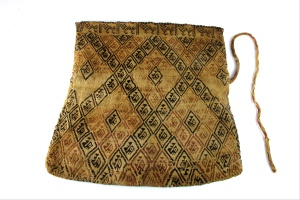 "Textile bag ""Chuspa"" created between 0900 and 1470 Pre-Columbian {{PD}}"
