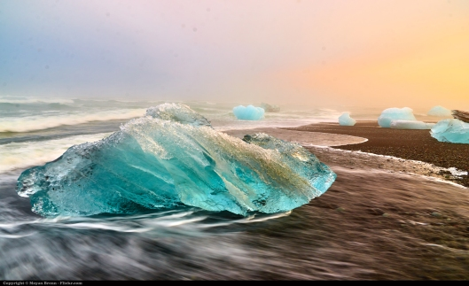 Beach of icebergs, in the south coast of Iceland, close to the Jokulsarlon lagoon... Photo by Moyan Brenn - https://www.flickr.com/photos/aigle_dore/21202481350/ CC BY 2.0